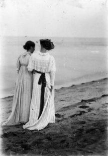 Anna Ancher & Marie Krøyer på Skagens Sønderstrand