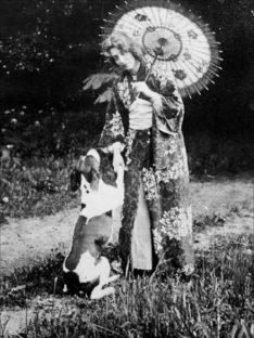 1895 - Marie Krøyer i japansk kostume